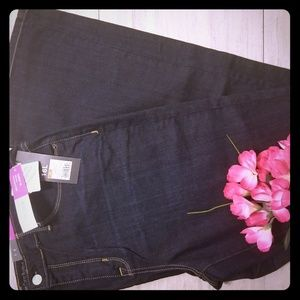 Mossimo NWT size 16long curvy fit dark jean